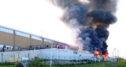 Fabrika Yangınında 3 İşçi Yandı, 2 İşçi Zehirlendi